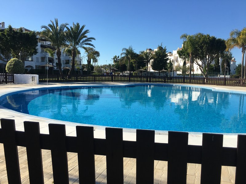 Apartamento acogedor Costa Ballenas, vacation rental in Rota