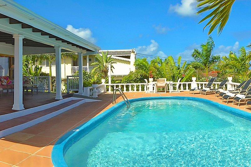 3 Min Walk to Beach, Pool, Seaviews, Kayaks, Staff, 8 Beds, 4 Bdrms (TMV144), vacation rental in Silver Sands