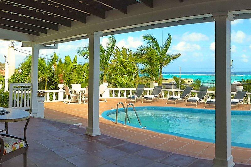 Seaview, Walk 3 min to Beach, Pool, Kayaks, Staff, 4 Beds, 3 Bdrms (TMV144), alquiler de vacaciones en Silver Sands