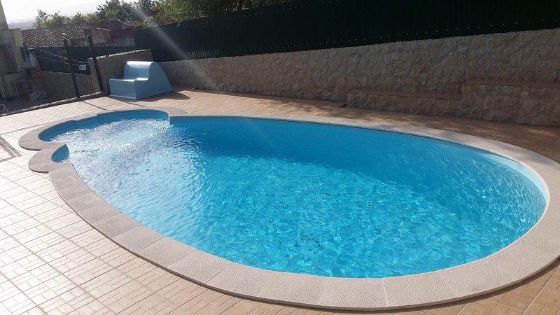 Moradia v3 com Piscina, casa vacanza a Espargal
