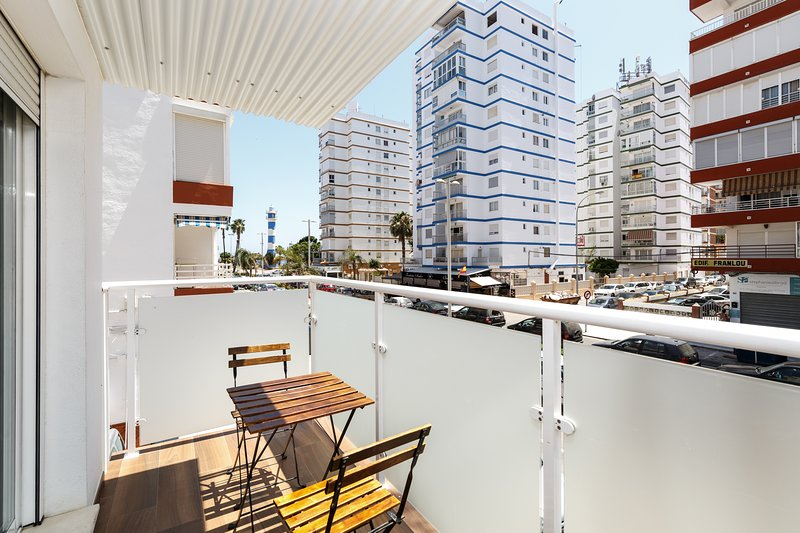 Beautiful and modern duplex Terrace 150 m from the beach of Torre del Mar, holiday rental in Torre del Mar