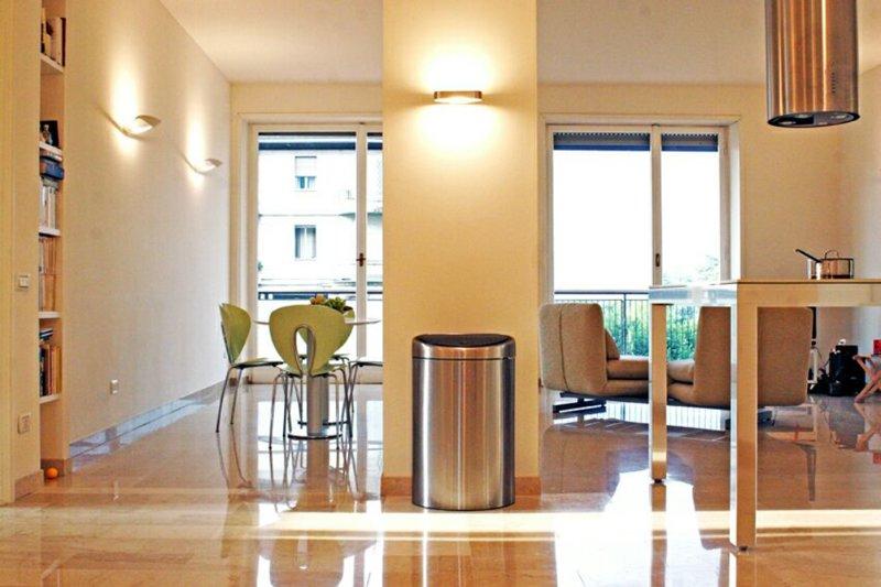 Wake up with the lake view-super location, center, holiday rental in San Fermo della Battaglia