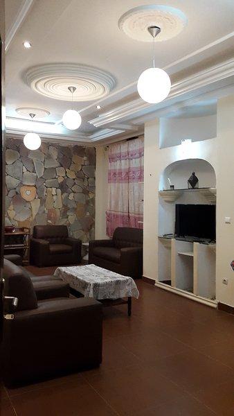 Location appartement 3 pièces meublé à Lomé Quartier Nukafu 15 min de l'aéroport, location de vacances à Lome
