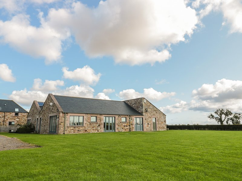The Long Barn, Berwick-Upon-Tweed, holiday rental in Norham