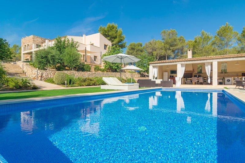 VILLA PINS - Villa for 8 people in Portocolom, vacation rental in Cala Murada