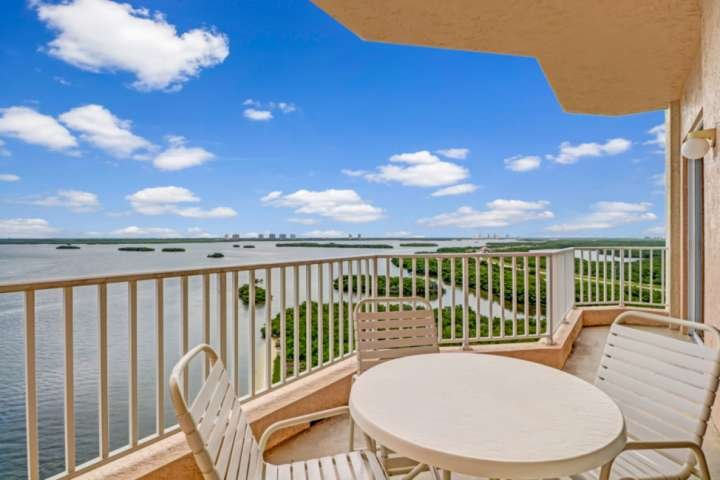 Fantastic Lovers Key Resort Penthouse! Gorgeous Water Views, Resort Pool & Spa,, holiday rental in Fort Myers Beach