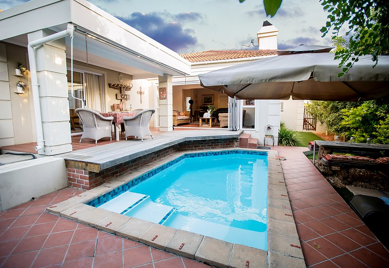 vineyard holiday home, holiday rental in Somerset West