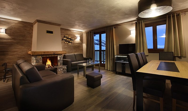 Stay in our spacious and charming apartment in the mountains!