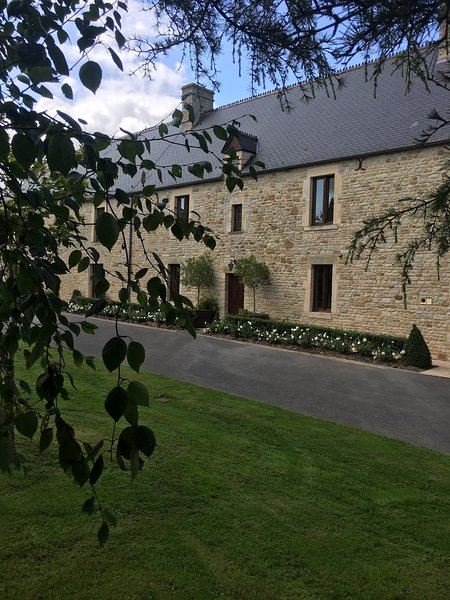 The Farmhouse B&B, holiday rental in Carentan