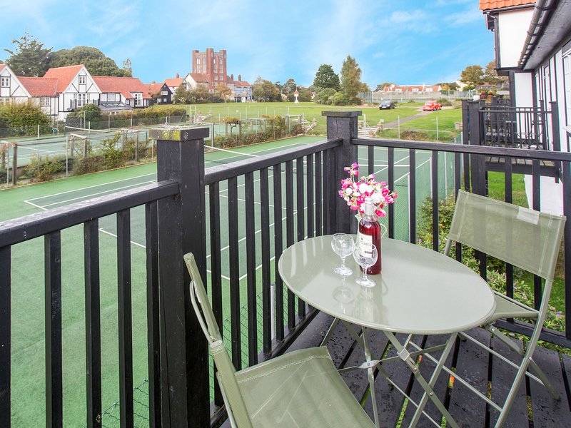 1 Bell Lodge, holiday rental in Thorpeness