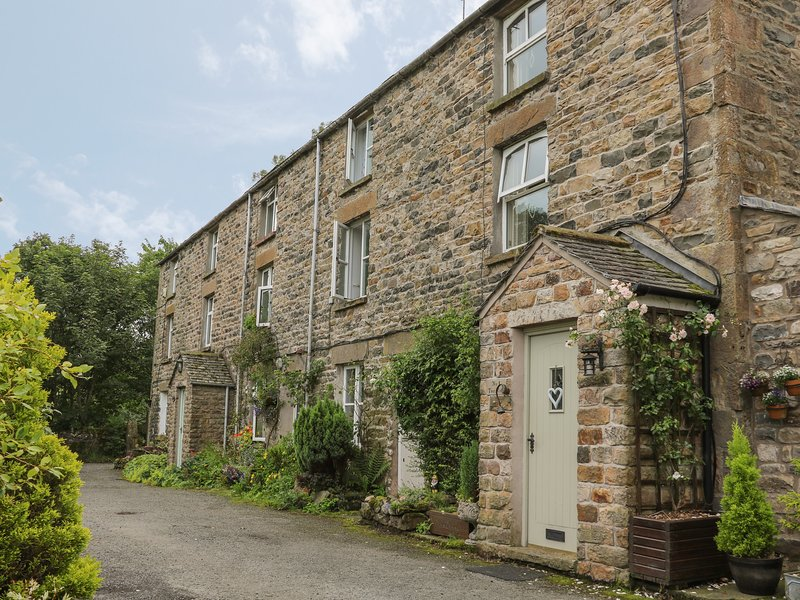 2 Farfield Row, Sedbergh, holiday rental in Yorkshire Dales National Park