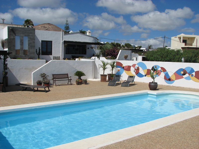 Casa Para Ti - Romantic Room in B&B wonderful view, holiday rental in La Geria
