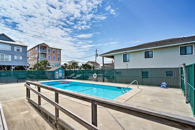 ¡Coge tus gafas de sol, sombreros y protector solar y dirígete a la piscina!