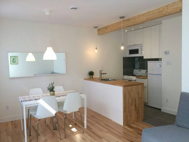 Brand New Appartement Downtown / Atwater Market, holiday rental in La Prairie