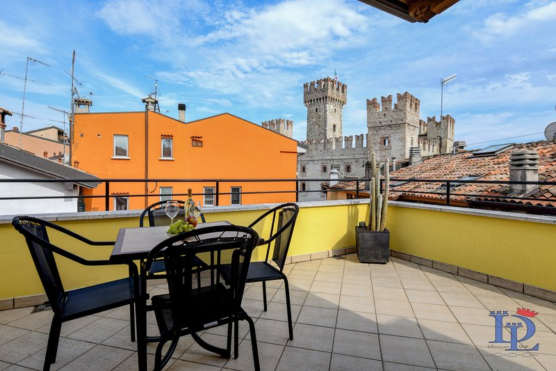 17 - NEVER SAY NEVER, holiday rental in Sirmione