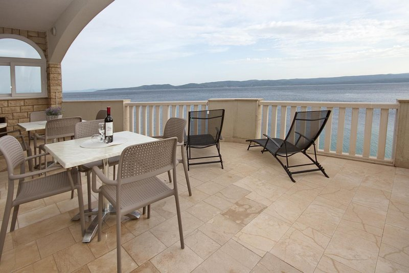 Pisak Apartment Sleeps 6 with Air Con - 5811144, vakantiewoning in Pisak