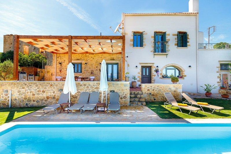 Stone villa, comfortable, pool, relaxing, alquiler vacacional en Nochia
