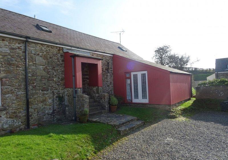Bwthyn y Binwydden (Pine), holiday rental in Little Haven