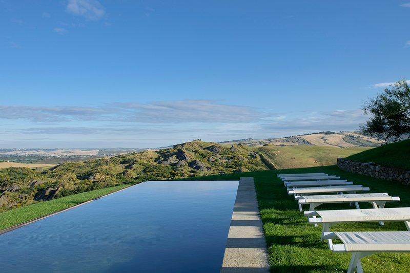 La Foce Villa Sleeps 19 with Pool and Air Con - 5049010, alquiler vacacional en Gallina