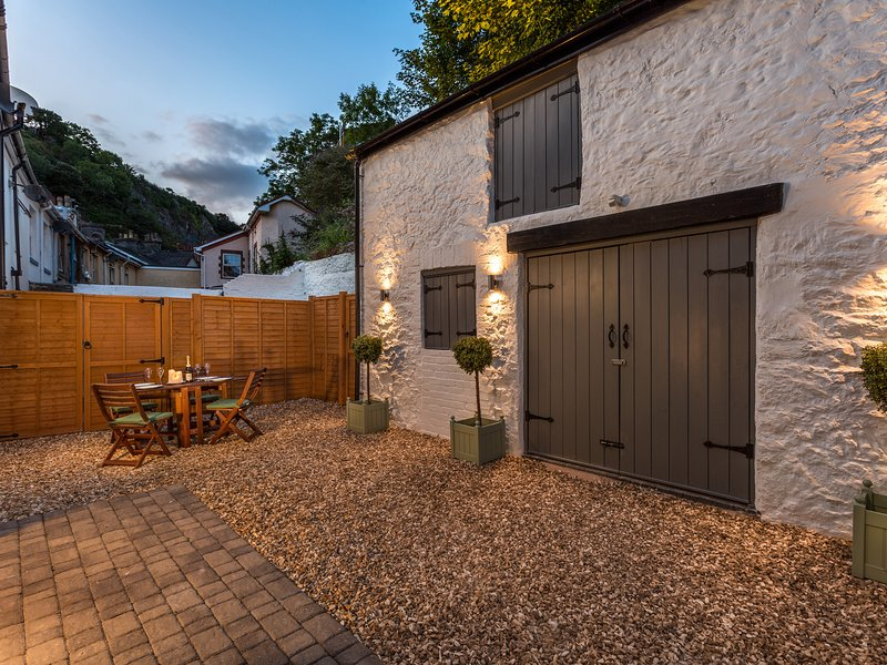 Daison Boutique Cottage 1A, Torquay, vacation rental in Torquay