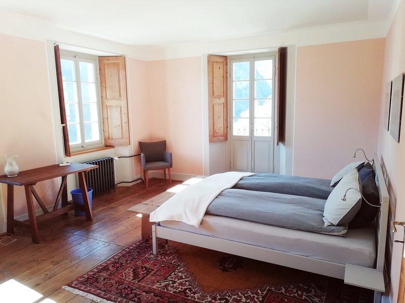 2-Zimmer-Wohnung in Cerentino Valle Maggia in schönem Patrizierhaus, location de vacances à Bosco Gurin