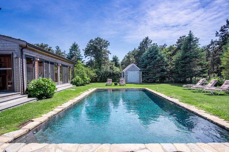 TALLA - Katama South Beach, 20 x 40 Heated Gunite  Pool, Walk or Bike to the Bea, vacation rental in Martha's Vineyard