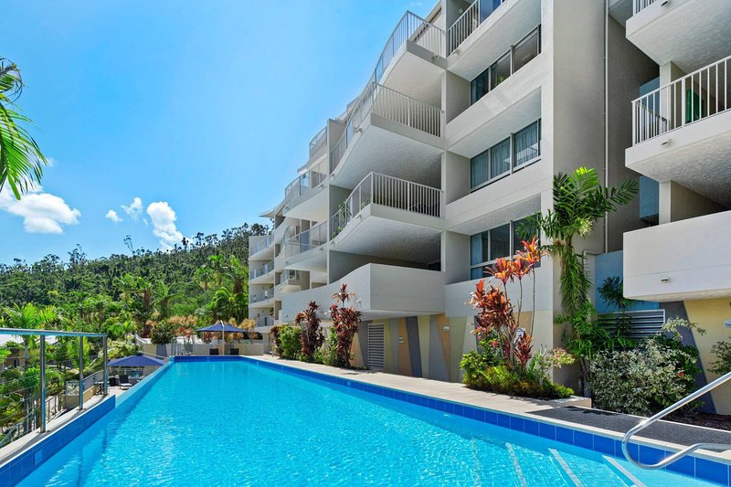 Sea Forever on Azure - Airlie Beach Central, holiday rental in Flametree