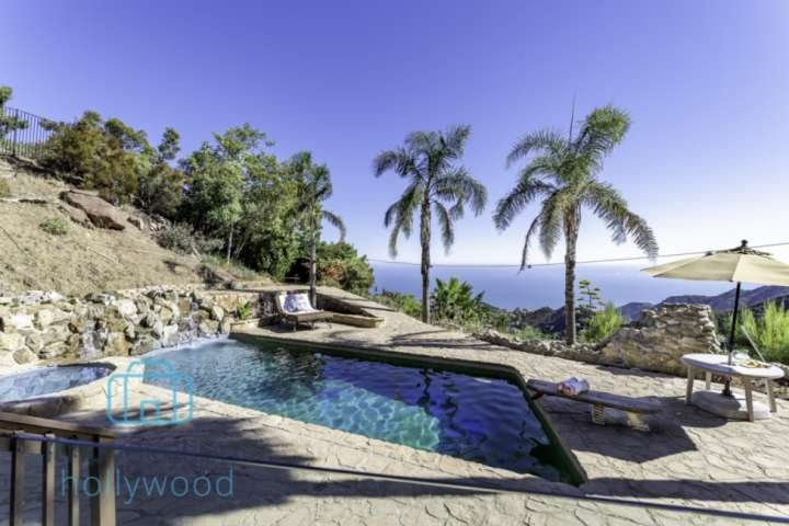 Pool and Jacuzzi with Stellar Views of Malibu and the Pacific Ocean