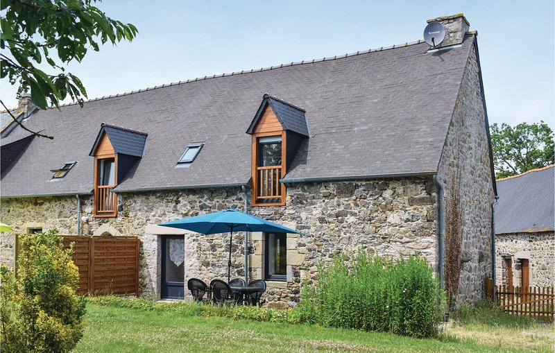 Beautiful home in Saint Alban with WiFi and 2 Bedrooms (FBC692), vacation rental in Saint-Denoual