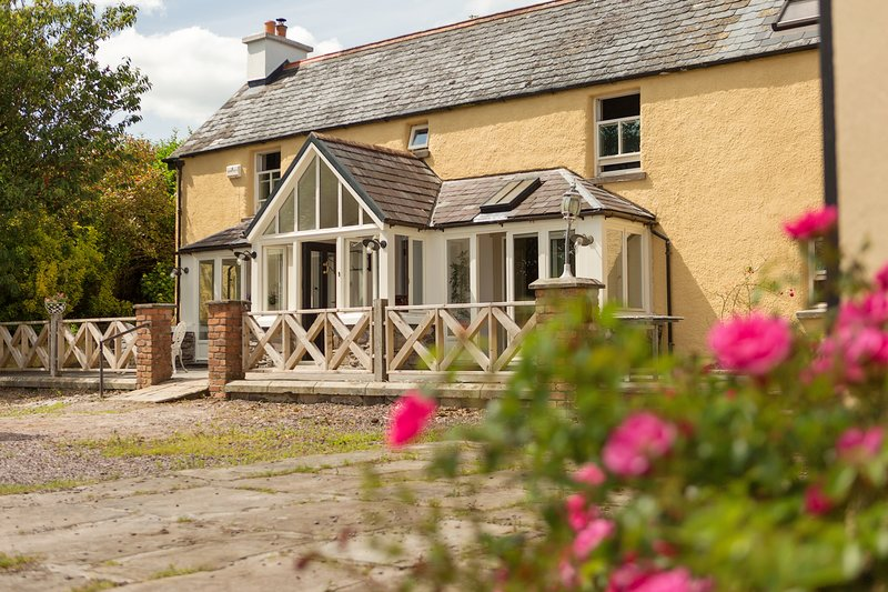 Old Farmhouse at Laharn Dairy Farm, vacation rental in Mallow