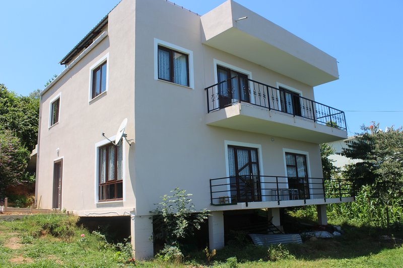 Berat House, holiday rental in Macka