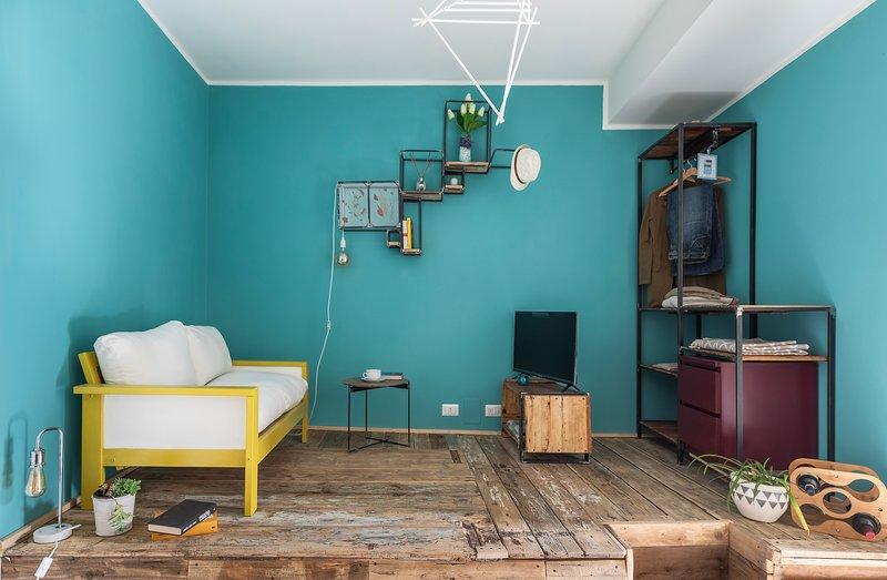 CUTE STUDIO IN OLD TOWN, holiday rental in San Fermo della Battaglia