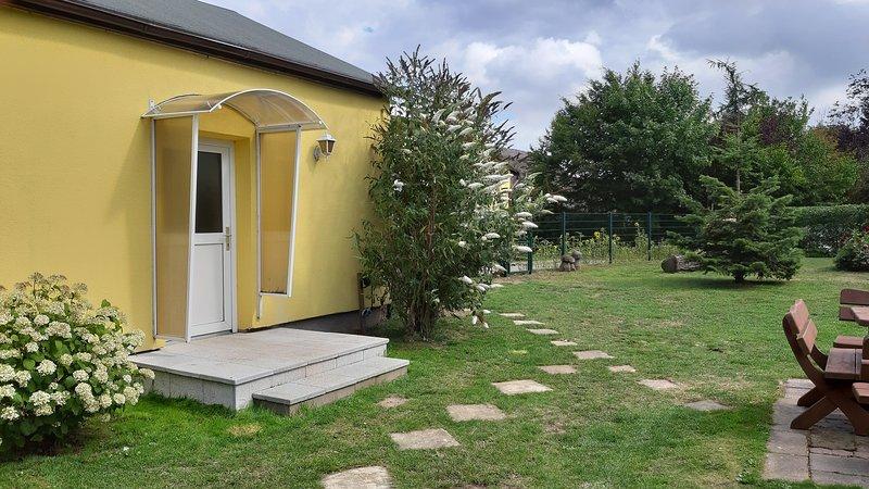 Ferienwohnung Smillenzweg mit eingezäunten Garten, vacation rental in Lohme
