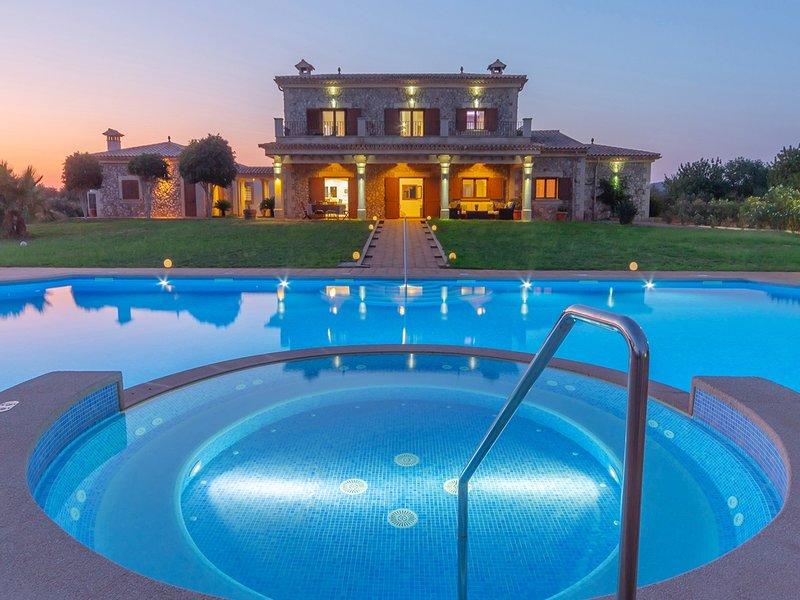 Villa Sa Paissa. Spectacular Villa for 8 people in Campos, alquiler de vacaciones en Campos