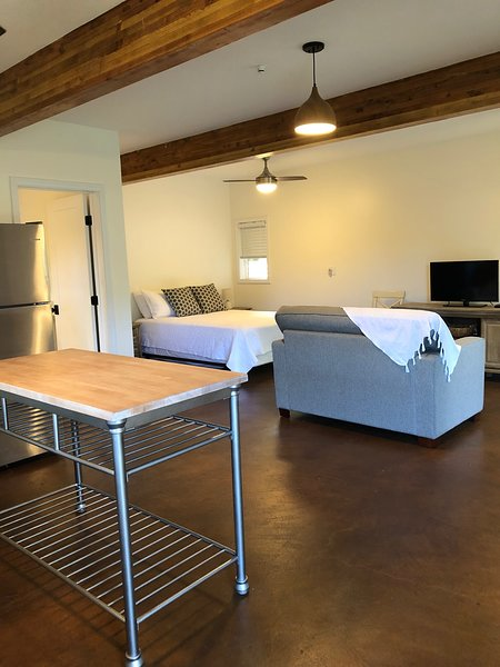 Brand New Cozy Waialua Studio, vacation rental in Waialua