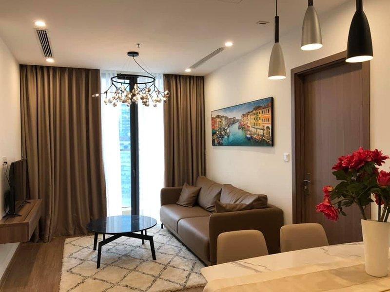 Luxury Condotel 2BR/30F Vinhomes Skylake Keangnam, holiday rental in Hanoi