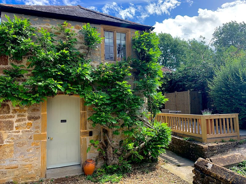 The Cottage, Lower St, West Chinnock, casa vacanza a South Petherton