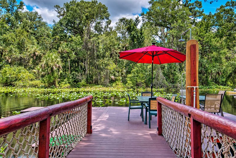Riverfront Orlando Area Cabin in Wekiwa State Park, holiday rental in Wekiva Springs