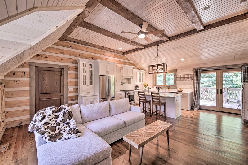 Make the most out of your Bloomington escape when you stay at this cabin!