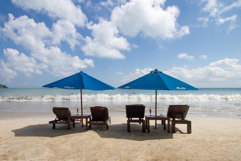 Beach Front 3 BR Villa with Private Pool + Spa Center + Breakfast in Jimbaran, vacation rental in Kuta Selatan