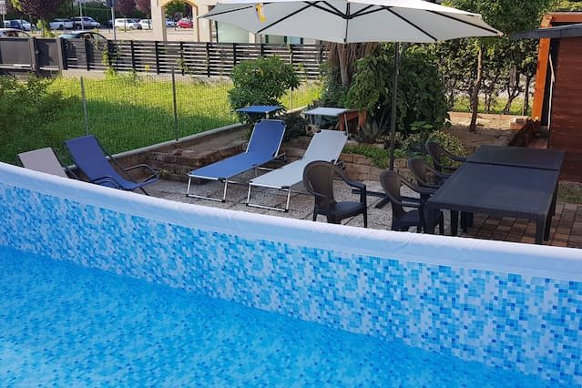 Spacious house with swimming-pool, holiday rental in Legnaro