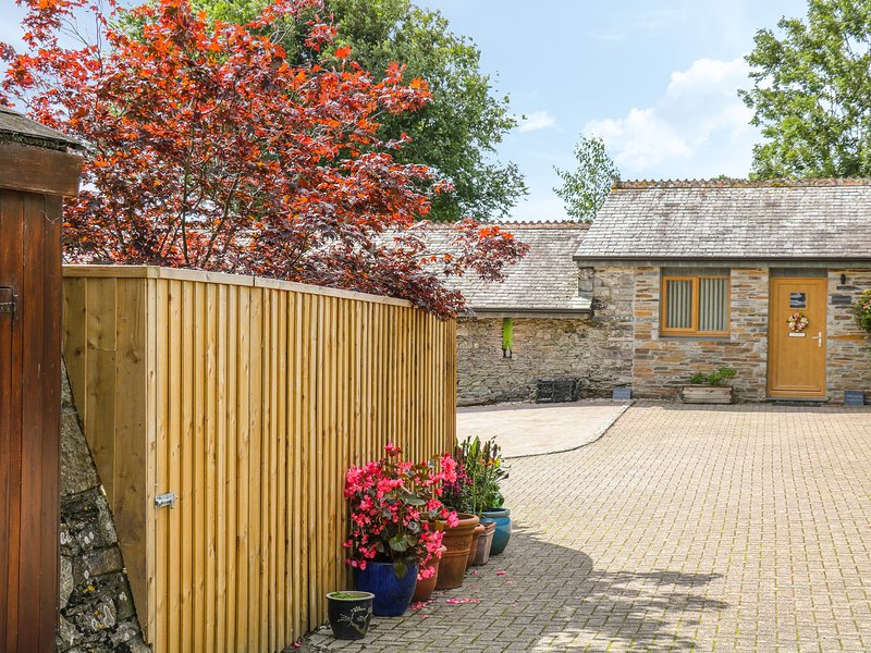 WHITSAND, WiFi, pet-friendly, near Tideford, holiday rental in Saint Germans