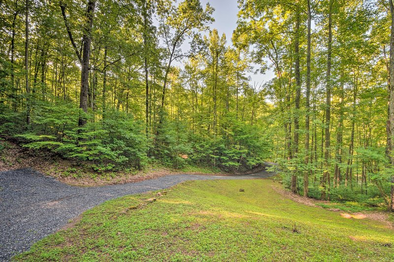 You'll be just minutes from the main attractions in the Hayesville area.