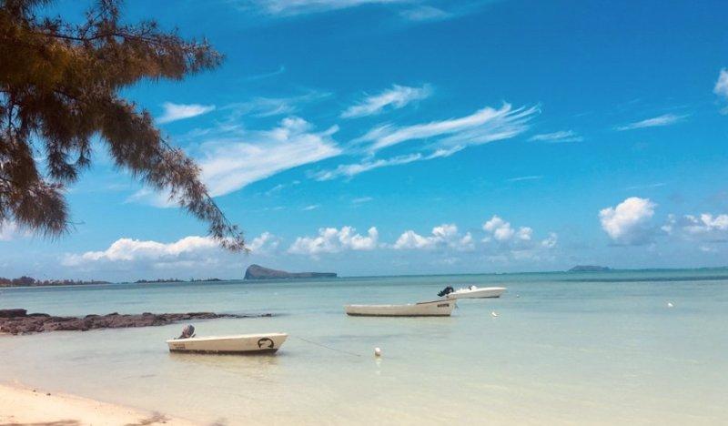 Luxury Villa Calodyne Sur Mer, aluguéis de temporada em Mapou