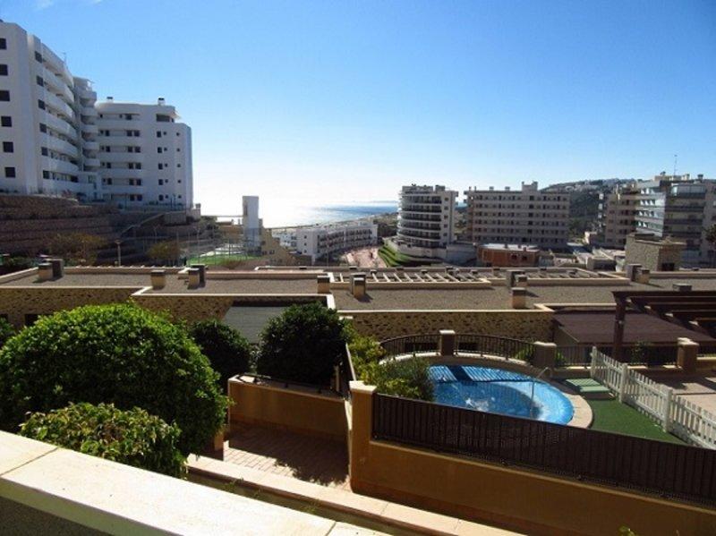 Apartamento familiar con vistas al mar, location de vacances à El Altet