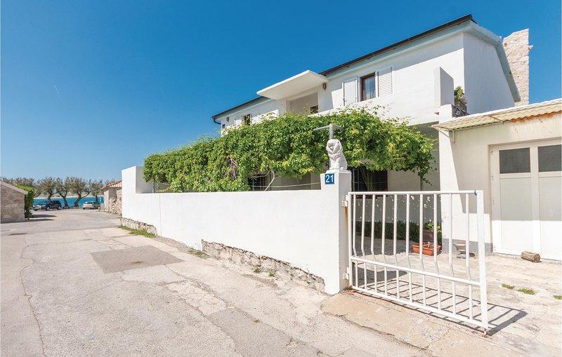 Amazing apartment in Razanac with WiFi and 2 Bedrooms (CDA465), holiday rental in Razanac