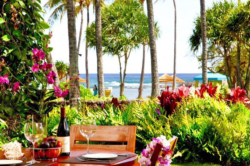 Villa 105 Beach Level Studio Direct Ocean Views!, vacation rental in Kahuku