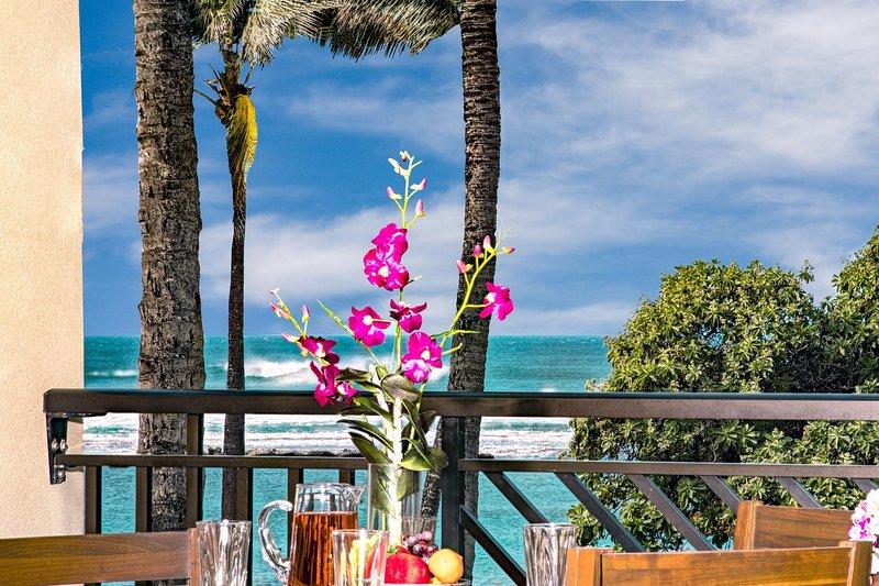 Villa 202 Second Level Studio Direct Ocean Views!, vacation rental in Kahuku