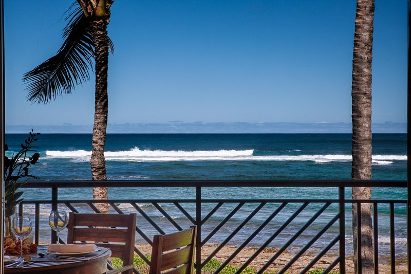 Villa 217 Second Level Studio Panoramic Ocean Views!, holiday rental in Kahuku