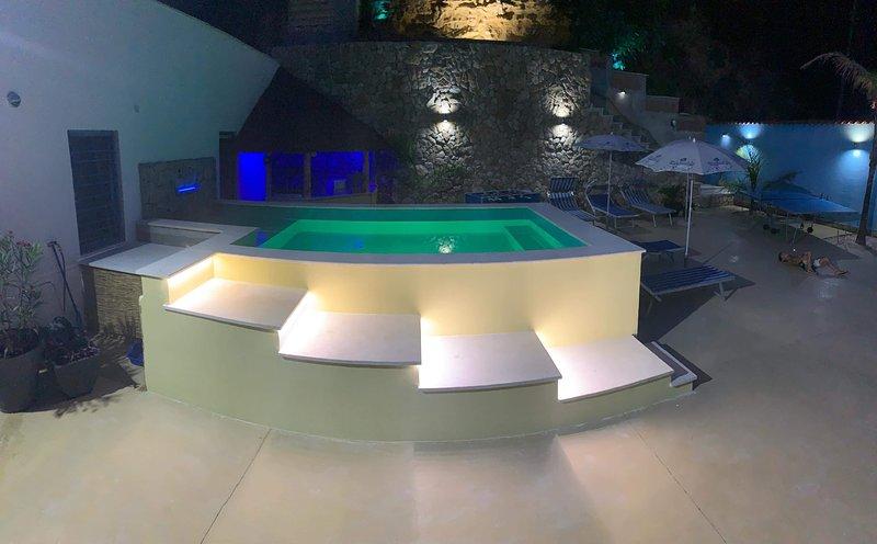 JOYAU d Evathia: wifi,draps,serviettes de bains et parking privé à disposition., vacation rental in Castellammare del Golfo
